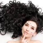 Правила укладки и окрашивания нарощенных волос